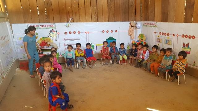 Xót xa cảnh cô trò điểm trường Mầm non sát biên giới Việt - Lào - 3