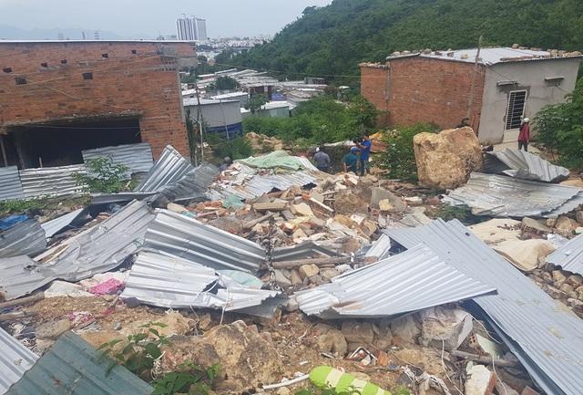 Vùng từng xảy ra lở núi kinh hoàng nháo nhào di tản tránh bão số 5 - 2