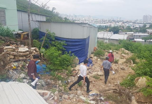 Vùng từng xảy ra lở núi kinh hoàng nháo nhào di tản tránh bão số 5 - 1