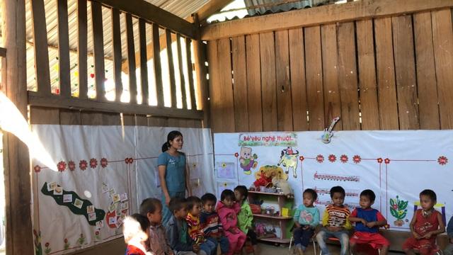 Nhói lòng những đứa trẻ vùng biên giới Việt - Lào tới lớp trong bộ dạng nhem nhuốc - 5