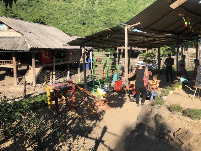 Nhói lòng những đứa trẻ vùng biên giới Việt - Lào tới lớp trong bộ dạng nhem nhuốc - 17