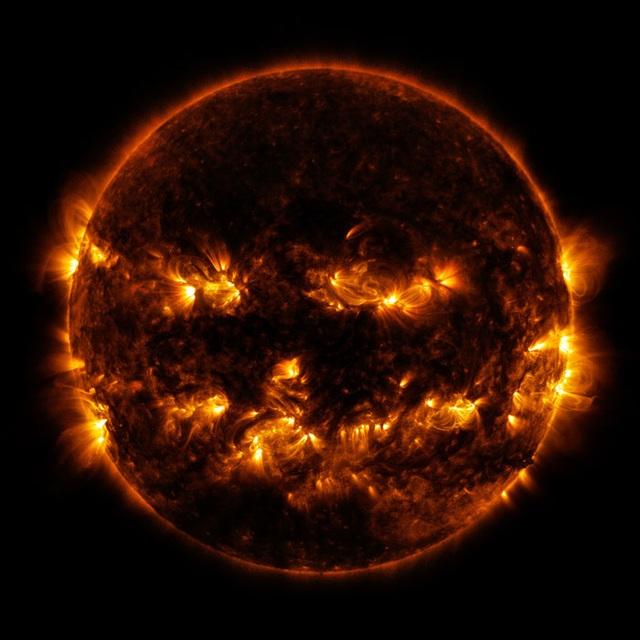 Khoảnh khắc mặt trời sẵn sàng… đi dự hội hóa trang Halloween - 1