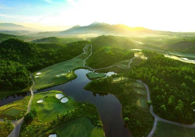 Ba Na Hills Golf Club được vinh danh 'Sân golf tốt nhất châu Á' ba năm liên tiếp - 1