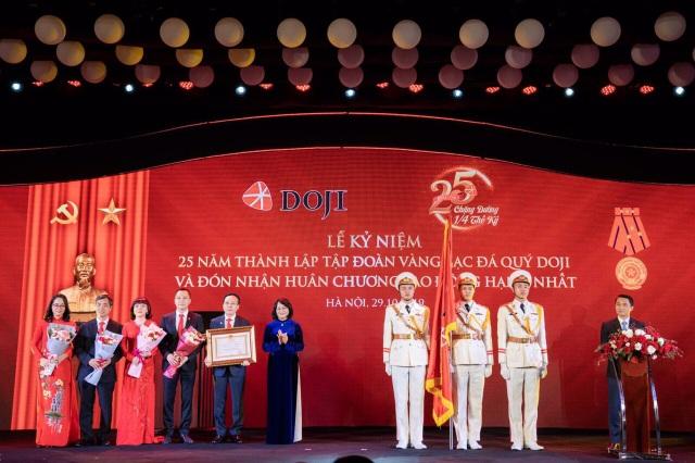Tập đoàn DOJI nhận Huân chương Lao động hạng Nhất - 1