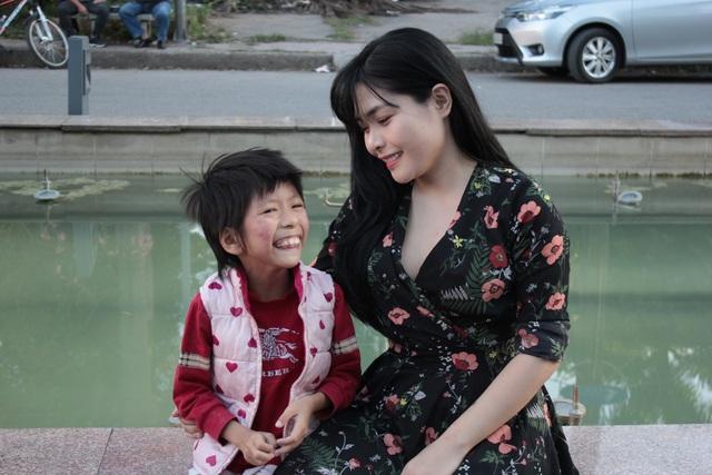Chuyện cảm động về cô gái Hà Nội xinh đẹp từng bị kỳ thị vì nhận nuôi bé gái lở loét - 6