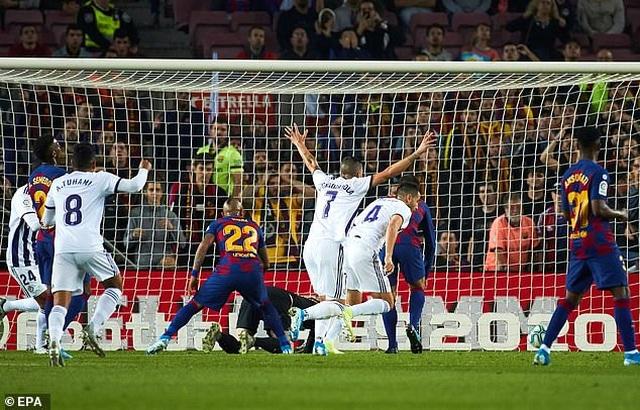 """Messi rực sáng, Barcelona đại thắng """"5 sao"""" và trở lại ngôi đầu La Liga - 5"""