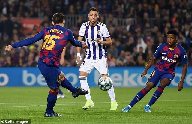 """Messi rực sáng, Barcelona đại thắng """"5 sao"""" và trở lại ngôi đầu La Liga - 3"""