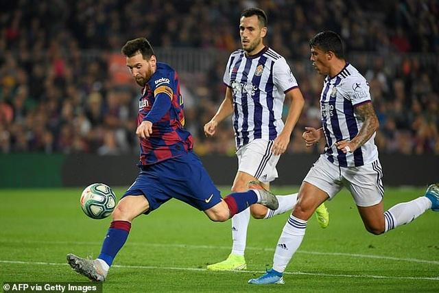"""Messi rực sáng, Barcelona đại thắng """"5 sao"""" và trở lại ngôi đầu La Liga - 13"""