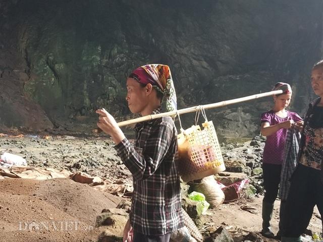 Nghề lạ ở Lạng Sơn: Gom phân vua trong hang tối kiếm ra tiền - 7