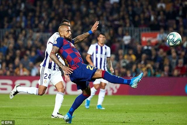 """Messi rực sáng, Barcelona đại thắng """"5 sao"""" và trở lại ngôi đầu La Liga - 6"""