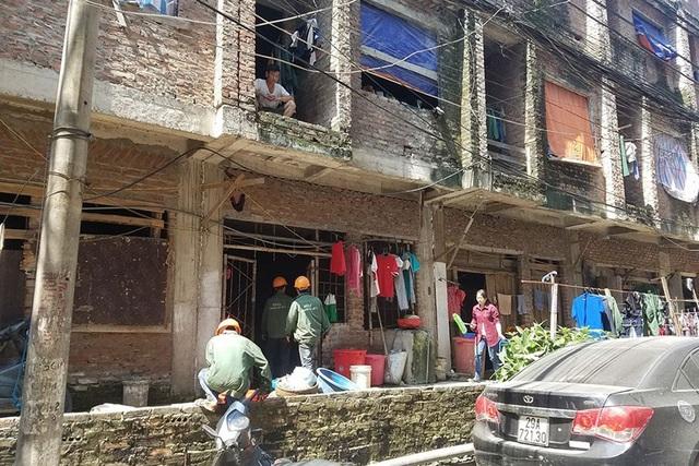 Phận nghèo ở những khu nhà tiền tỉ - 2