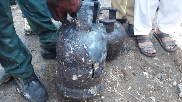 Hiện trường thảm khốc vụ nổ bình gas trên tàu Pakistan làm 74 người chết - 9