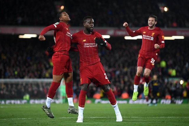 Liverpool 5-5 Arsenal (penalty 5-4): Mưa bàn thắng ở Anfield - 1