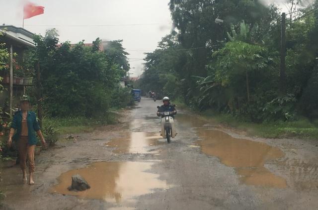 Dân ngao ngán vì tái diễn cảnh đường biến thành ao tại Quảng Bình! - 1