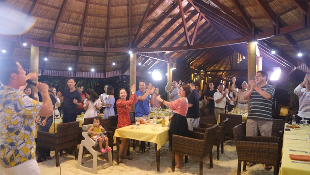 """Ăn Hảo Hảo, dạo đảo Maldives"""" – món quà mùa hè rực nắng và sôi động từ Acecook Việt Nam - 3"""
