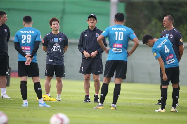 HLV Akira Nishino dùng hay bỏ Chanathip ở cuộc đấu với tuyển Việt Nam? - 1