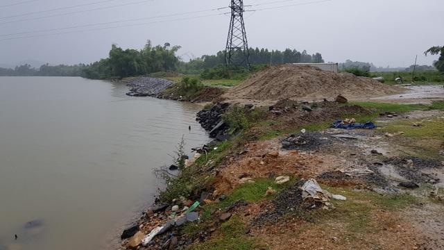Lo thắt ruột  bờ kè xây chưa xong, bờ sông tiếp tục bị ngoạm tại Đà Nẵng - 1
