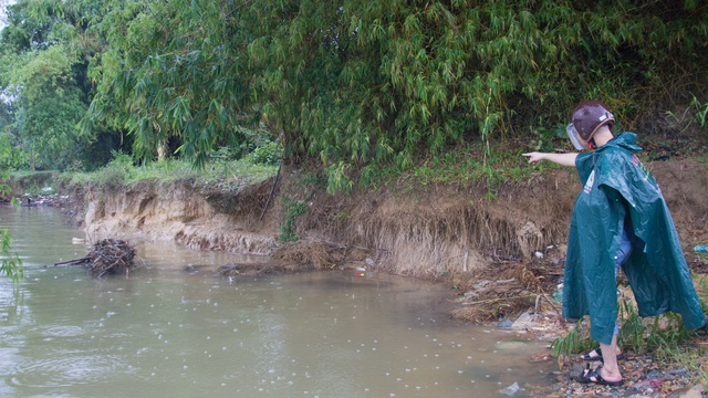 Lo thắt ruột  bờ kè xây chưa xong, bờ sông tiếp tục bị ngoạm tại Đà Nẵng - 2