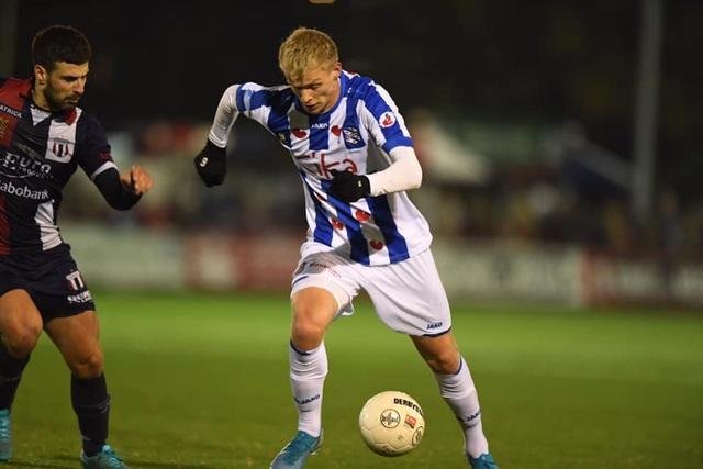 Heerenveen và Sint Truidense đều thắng trong ngày Văn Hậu, Công Phượng không thi đấu - 1