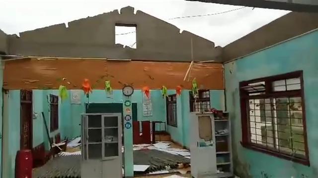 Ngổn ngang sau bão số 5 - 17