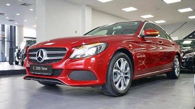 Xả hàng cuối năm, ô tô giảm giá 200-300 triệu đồng - 6