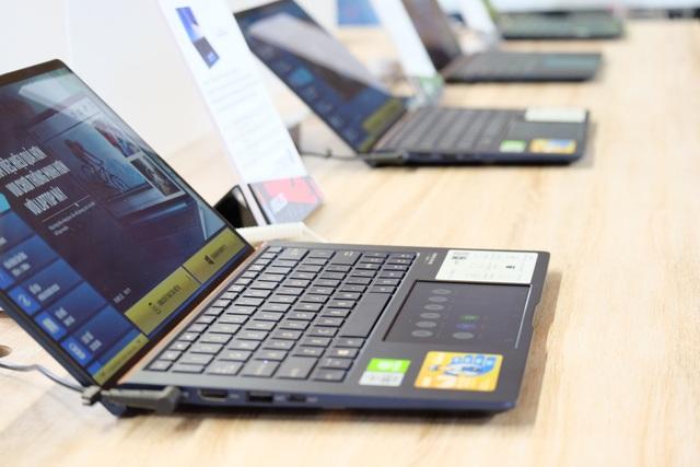 Laptop 2 màn hình, gaming phone, và loạt đồ chơi công nghệ tại Asus Expo 2019 - 4