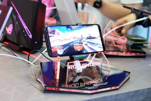 Laptop 2 màn hình, gaming phone, và loạt đồ chơi công nghệ tại Asus Expo 2019 - 9