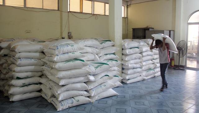 Phú Yên: Tạm giữ 30 tấn đường không rõ nguồn gốc xuất xứ - 3