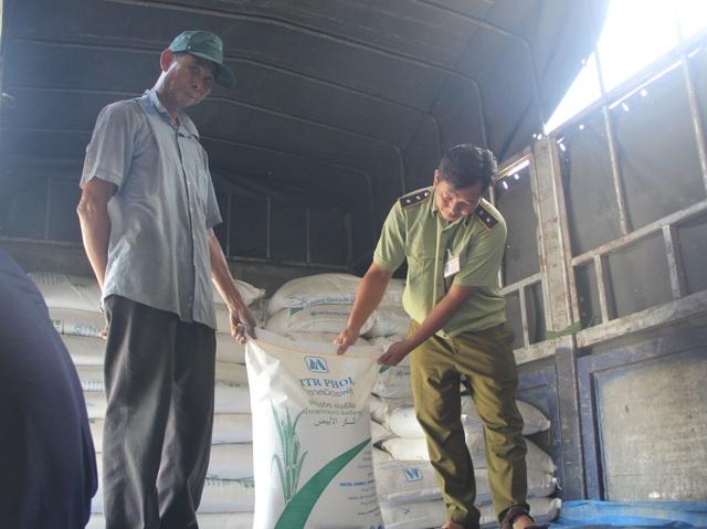 Phú Yên: Tạm giữ 30 tấn đường không rõ nguồn gốc xuất xứ - 1