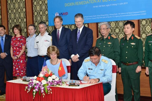 Việt Nam bàn giao 37 hecta sân bay Biên Hòa để Mỹ khử độc dioxin - 1