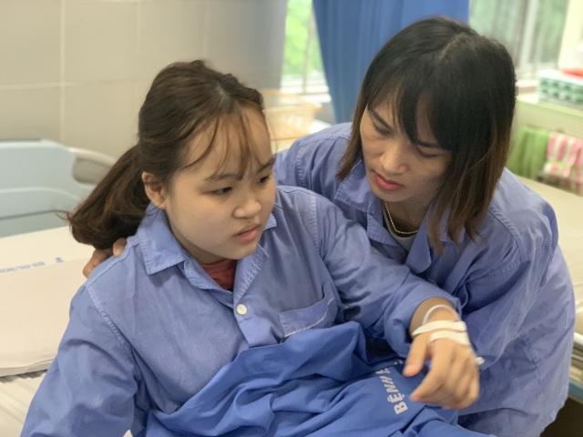 Xót xa cảnh nữ sinh trải qua 7 lần phẫu thuật, cô gái sợ hãi đến run người! - 5