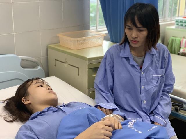 Xót xa cảnh nữ sinh trải qua 7 lần phẫu thuật, cô gái sợ hãi đến run người! - 6