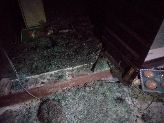 Cứu 3 người mắc kẹt trong đám cháy tại Đà Nẵng - 2