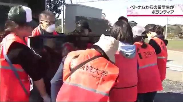 Hỗ trợ dân vùng thiên tai, du học sinh Việt được khen ngợi trên truyền hình Nhật Bản - 3