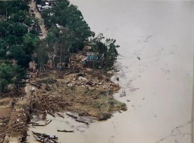 Nhìn lại hình ảnh trận lũ kinh hoàng năm 1999 cướp sinh mạng 352 người - 12