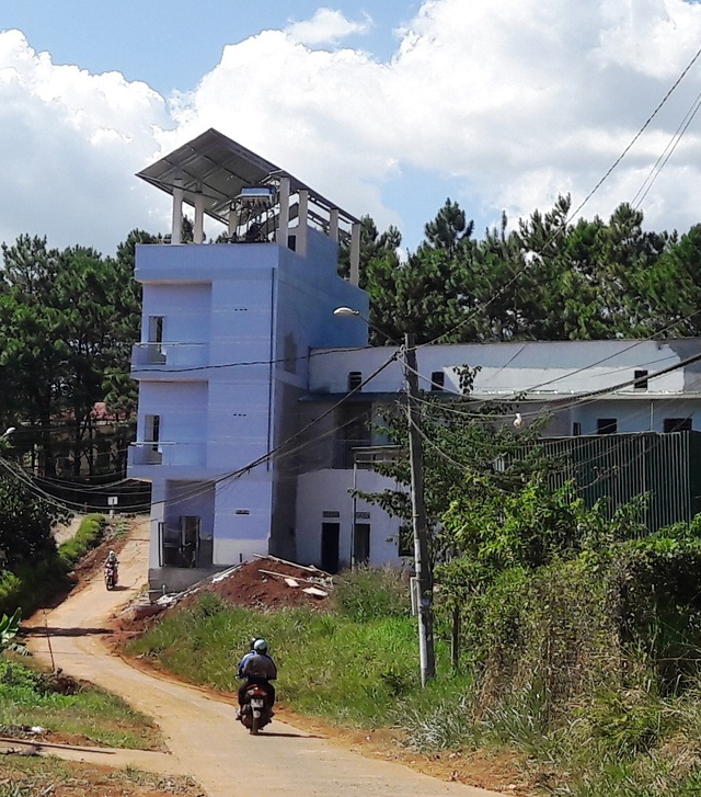 Nam công nhân gặp tai nạn phát lộ công trình thi công sai phép tại Đắk Nông - 1