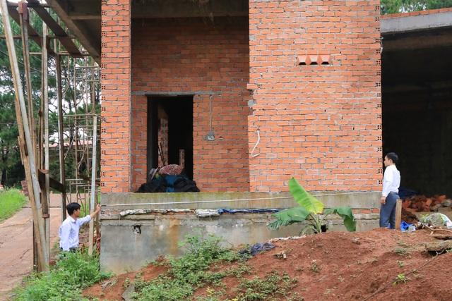 Nam công nhân gặp tai nạn phát lộ công trình thi công sai phép tại Đắk Nông - 4
