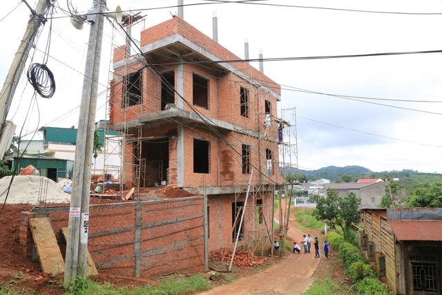 Nam công nhân gặp tai nạn phát lộ công trình thi công sai phép tại Đắk Nông - 2