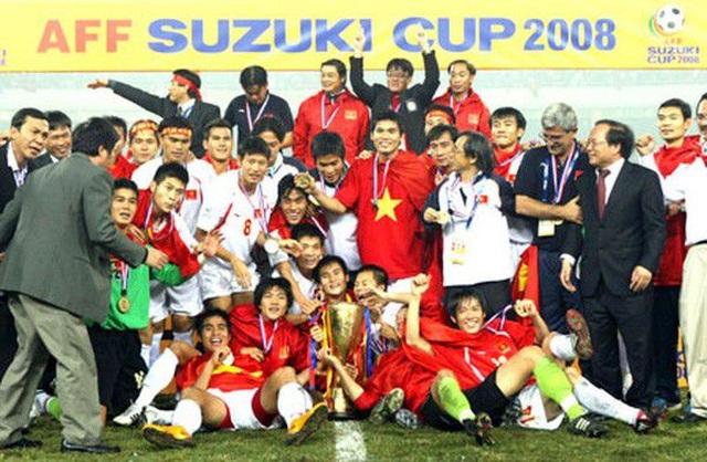Li-Ning và mong muốn ươm mầm tài năng bóng đá trẻ Việt Nam - 3