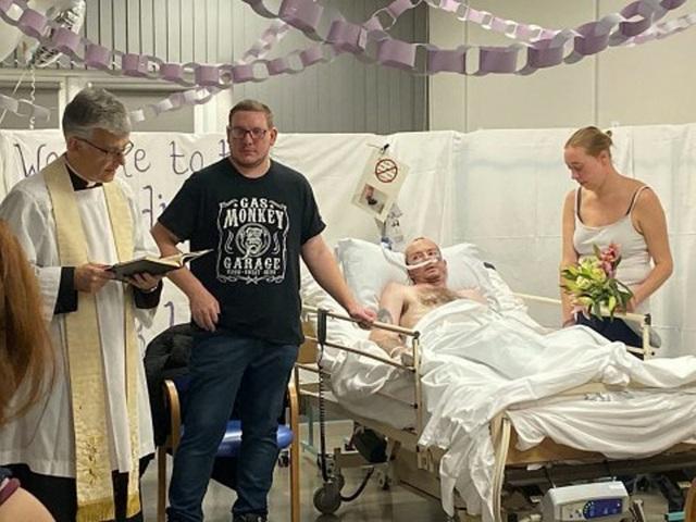 Người đàn ông qua đời sau đám cưới 7 giờ vì ung thư - 1