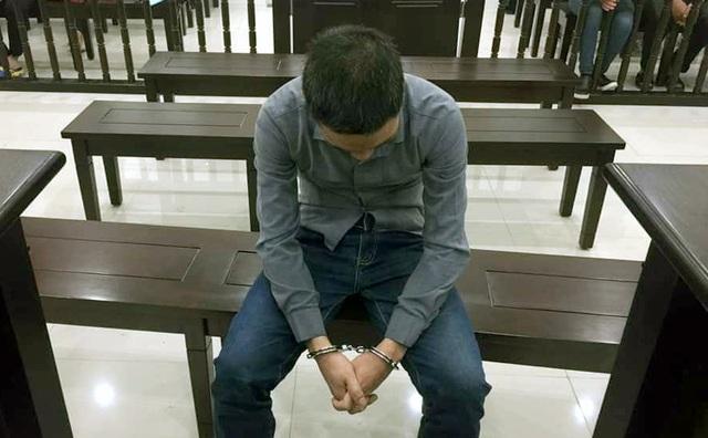 Hà Nội: Đầu độc 2 con nhỏ, gã đàn ông nức nở trước tòa - 1