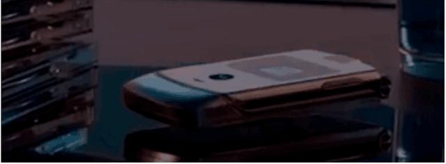 Lộ ảnh smartphone màn hình gập của Motorola với thiết kế huyền thoại - 6