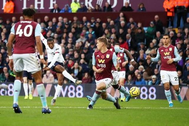 Aston Villa 1-2 Liverpool: Cú lội ngược dòng bất ngờ - 12