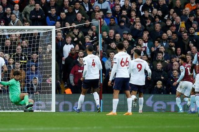 Aston Villa 1-2 Liverpool: Cú lội ngược dòng bất ngờ - 7