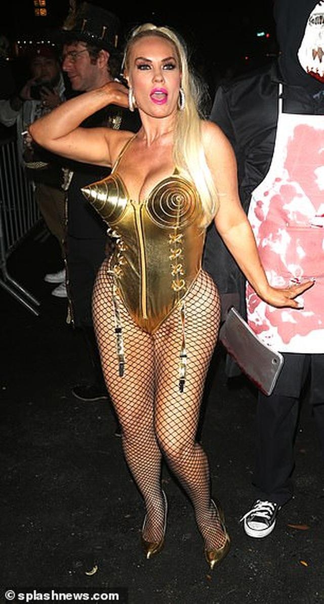 Coco Austin bốc lửa hóa trang thành Madonna - 4