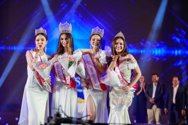 Yến Trang rạng rỡ đăng quang Hoa hậu Châu Á 2019 - 1