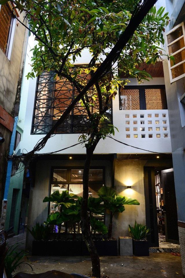 Mẫu nhà phố 2 tầng phong cách Bắc Âu đẹp lung linh đầy cá tính - 1