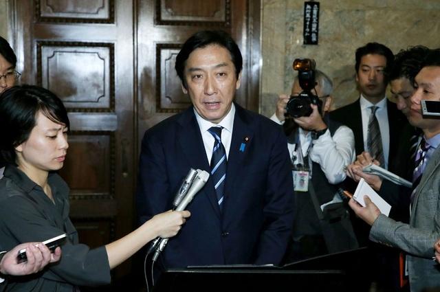 Tranh cãi chuyện trái dưa, con cua khiến hai bộ trưởng Nhật Bản mất chức - 1