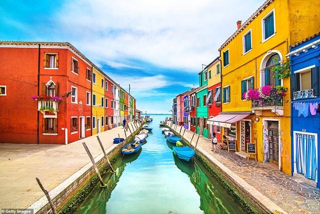 Những thành phố quyến rũ du khách bởi màu sắc độc đáo - 1