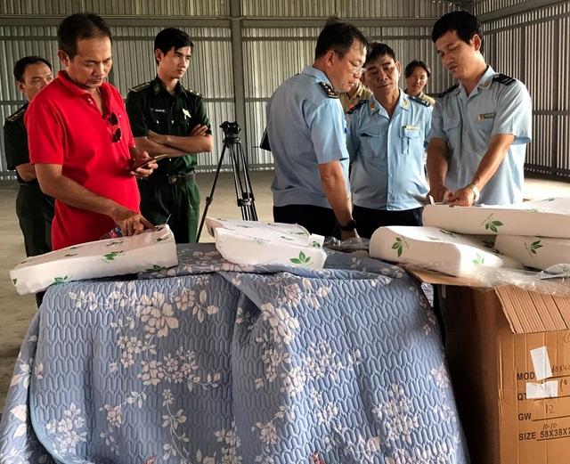 Phát hiện lô hàng Trung Quốc giả mạo xuất xứ Việt Nam tại cảng Cát Lái - 1